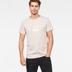G-Star RAW® Dedda Regular T-Shirt Pink model front