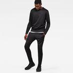 G-Star RAW® Motac Dc Skinny Sweat Pant Black model front