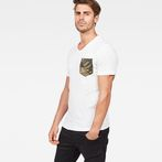 G-Star RAW® Hawaii Camo Kantano Slim T-shirt White model front