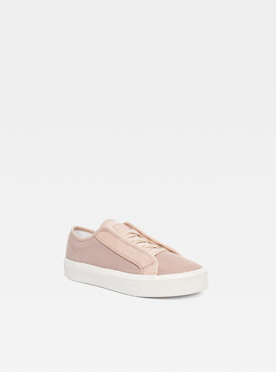 Strett Lace-Up Sneaker