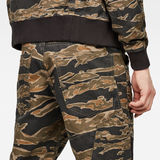 G-Star RAW® Motac-X Deconstructed 3D Relaxed Cropped Pants Multi color front flat