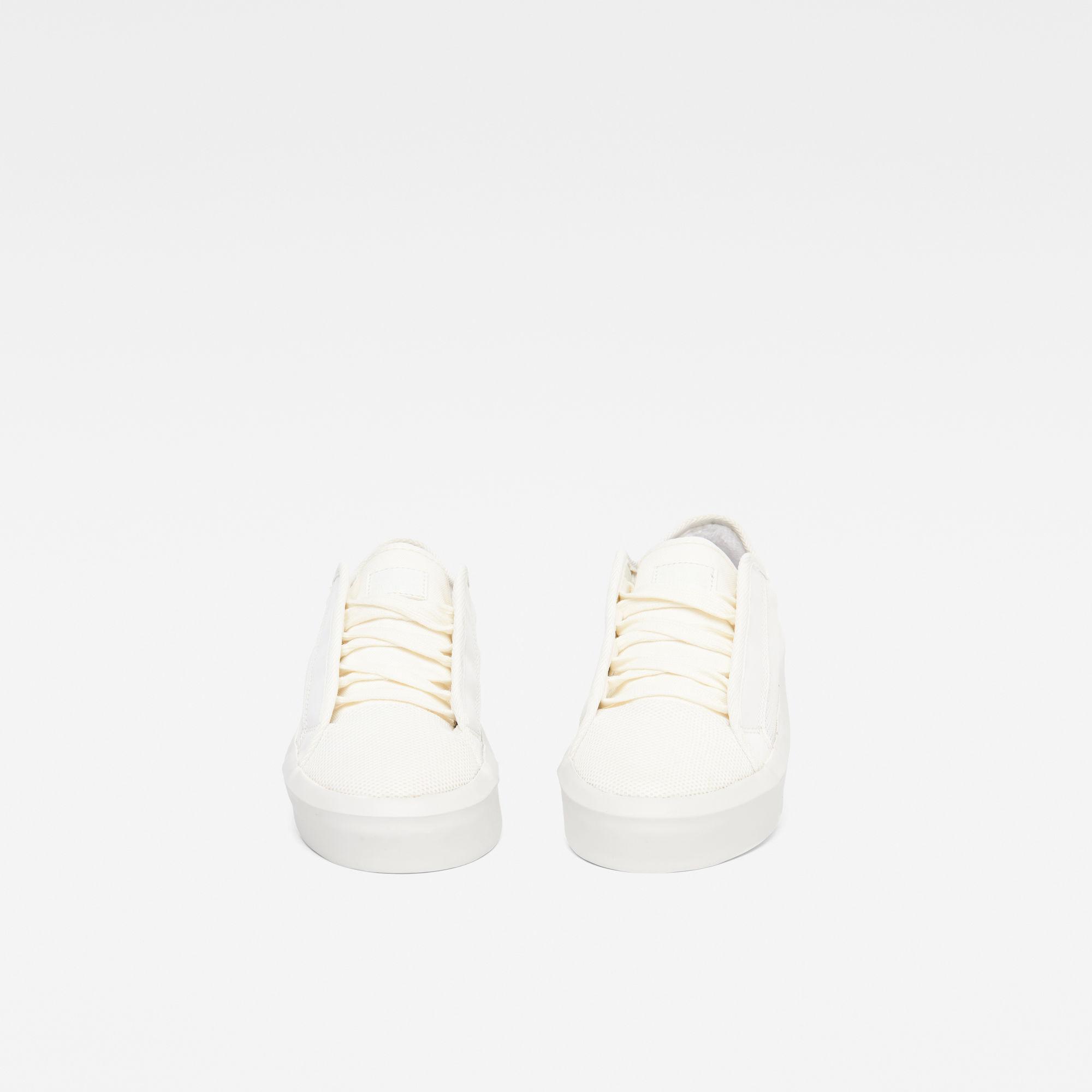 Strett Lace-Up Sneaker