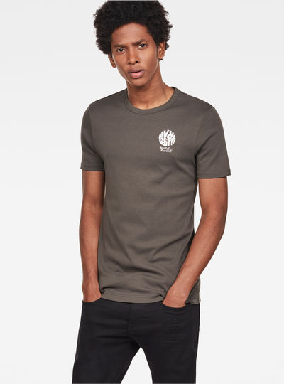 Graphic 7 Slim T-Shirt