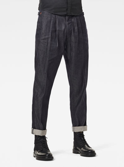 Varve Relaxed Pleated Chino