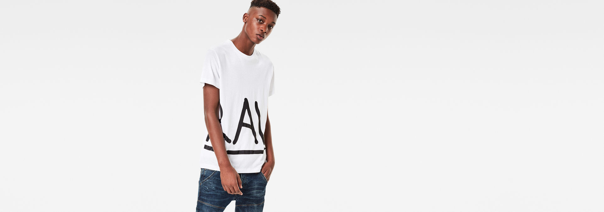 5c16bf728ac G-Star RAW® Manes Zoomed T-Shirt White model front ...
