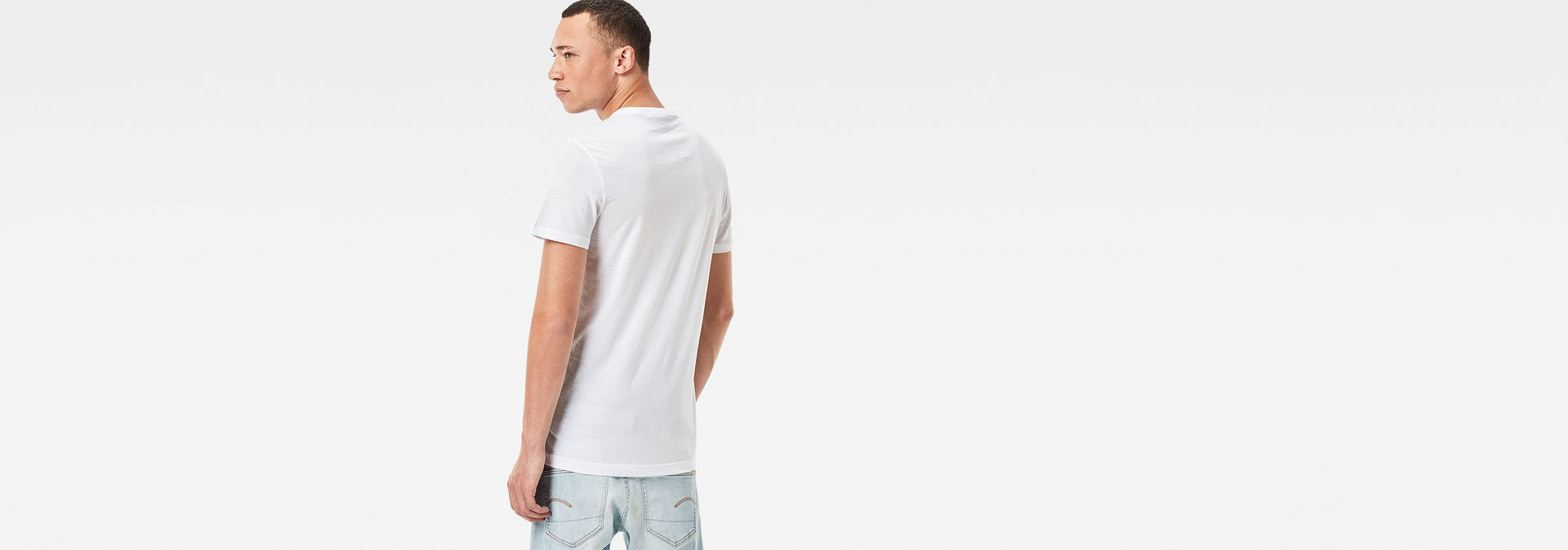 585a110b31a ... G-Star RAW® Daefon T-Shirt White model back ...