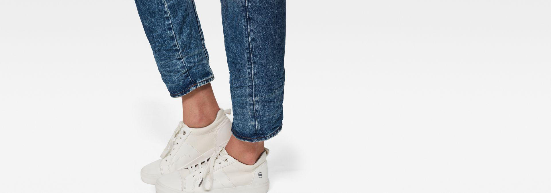 6ea7022ed68 ... G-Star RAW® Arc 3D Mid-Waist Boyfriend Jeans Medium blue